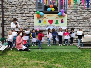 complimenti ai nostri piccoli che hanno ricevuto il diploma del loro primo anno alla scuola dell'infanzia